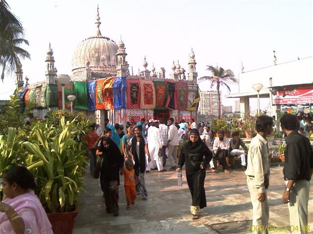 Baba Haji Ali Main Tomb