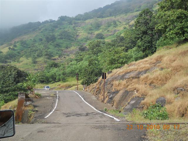 Dasturi Naka Road