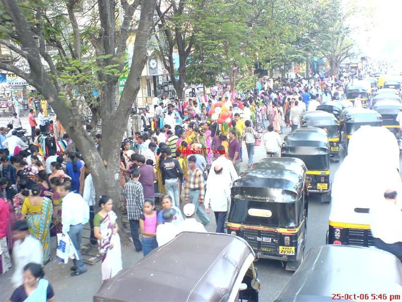 Street Vendors Outside Borivali Station