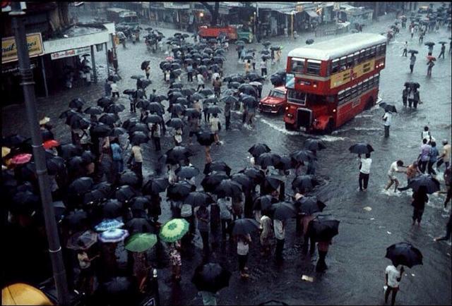 Mumbai Street View 1980 Rains