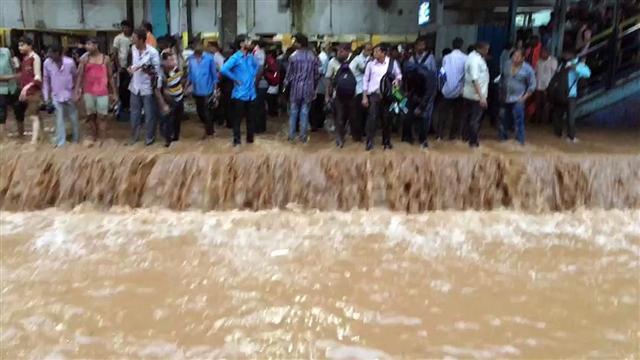 2017 Mulund Station Flooded