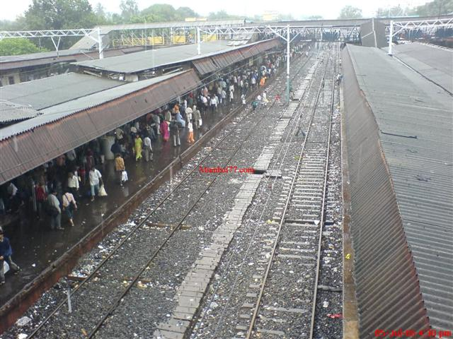 Old Picture of Borivali Station During Monsoon