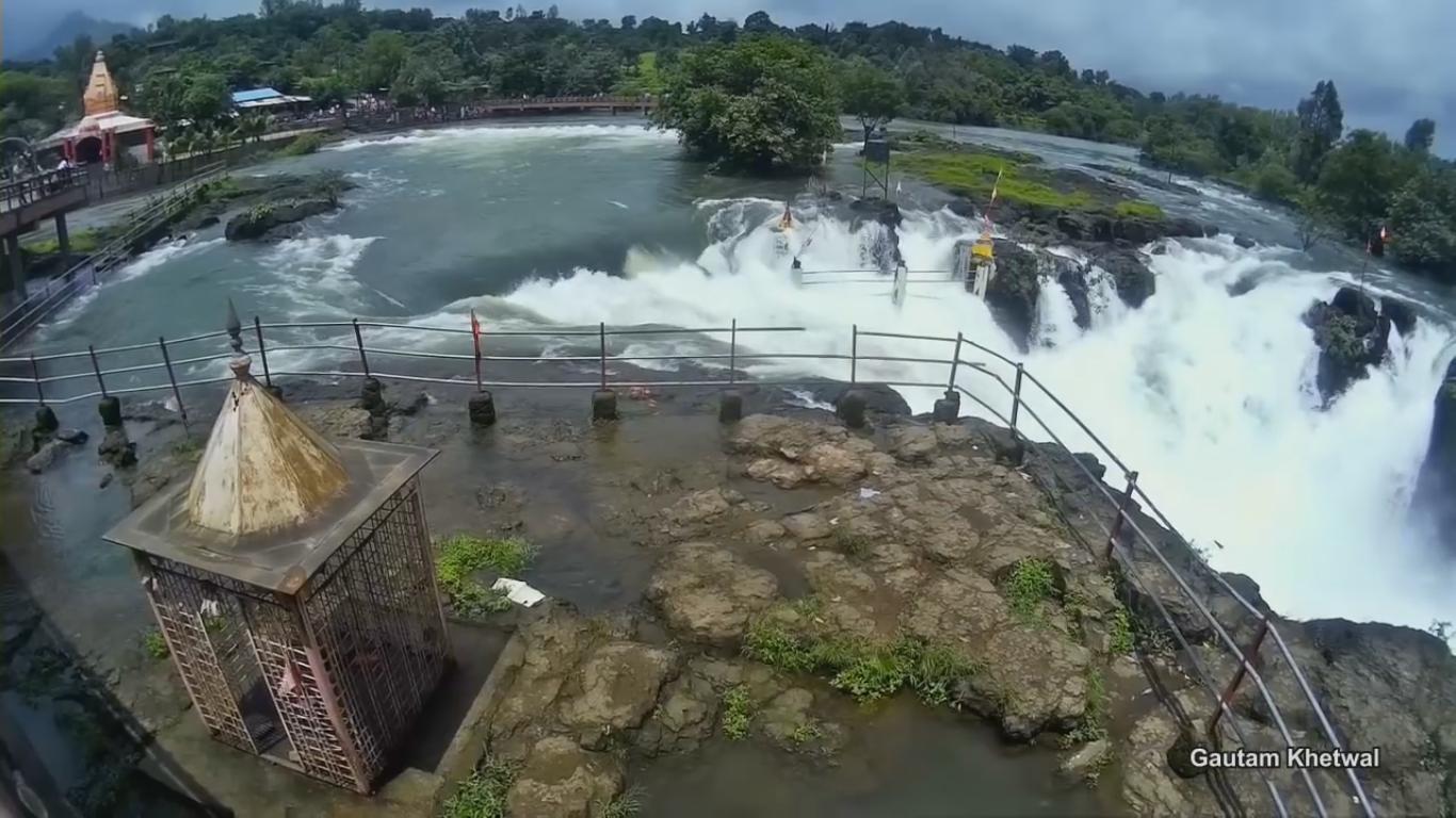 4K View Randha Waterfalls