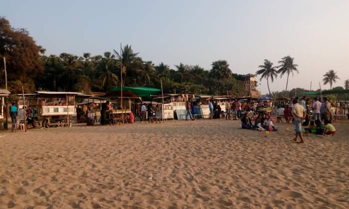 Aksa Beach Vendors