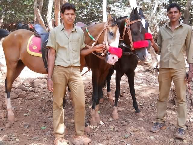 Manoj Horse Riding Matheran (9420056136)