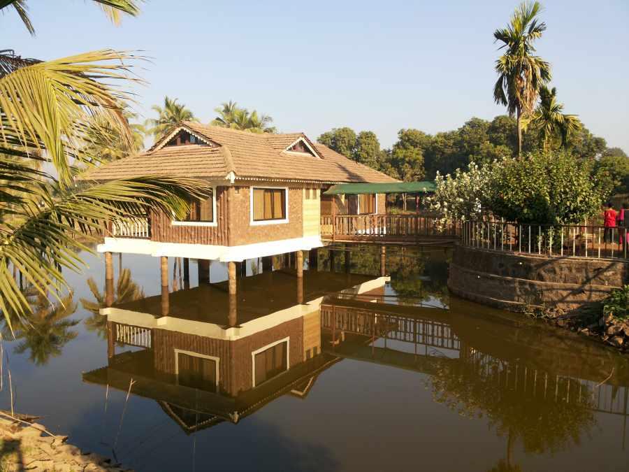 Saguna Baug Pond House