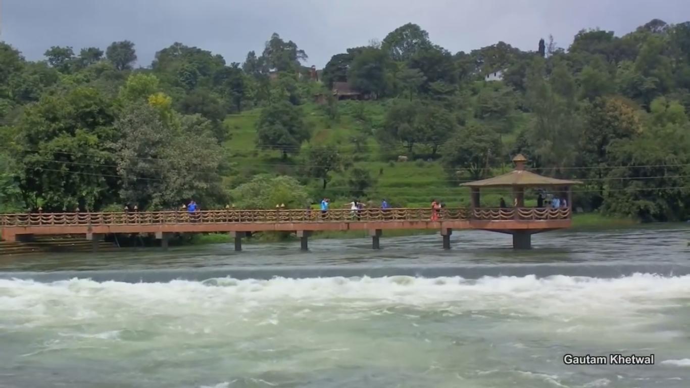 Randha Falls Viewpoints
