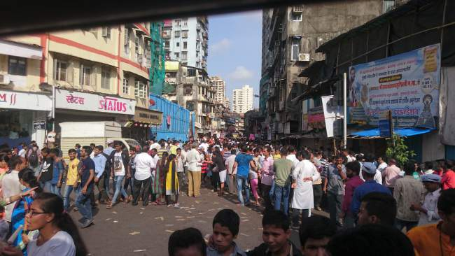 Visarjan Crowd
